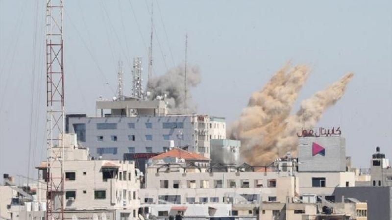 Gazze'nin sesi, soluğu kesilmek isteniyor: Siyonist rejim, uluslararası medya kuruluşlarının olduğu 13 katlı binayı vurdu