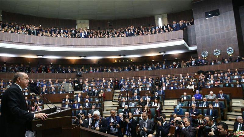 'Ak Parti'de 15 milletvekili kazan kaldırdı'