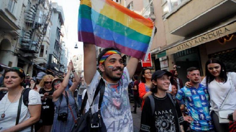 İstanbul Valiliği, LGBT yürüyüşü için yapılan başvuruyu reddetti