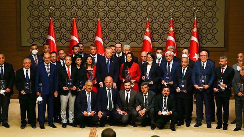 Sedat Peker'in videolarında adı geçen iki ismin medya ödülü iptal edildi
