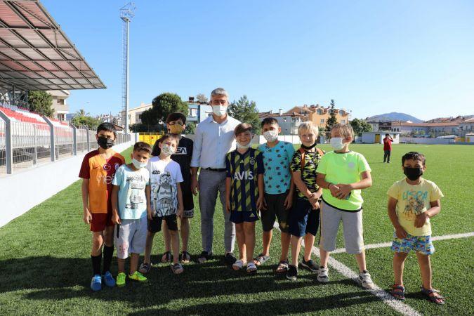 Veteran futbolcular Marmaris'te buluştu
