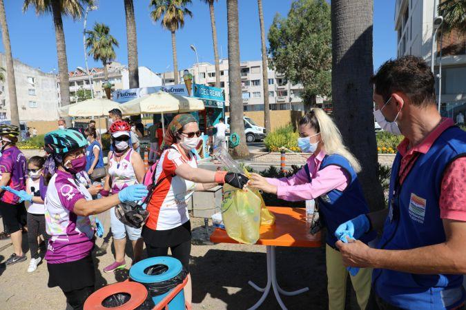 Belediye ve gönüllüler 1 ton çöp topladı