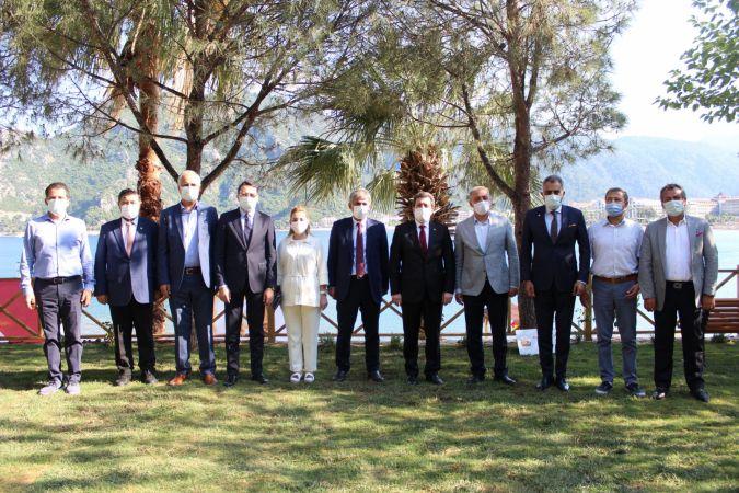 Muğla odaları ve borsa başkanları Marmaris'te buluştu