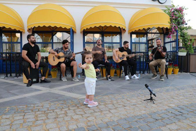 Marmaris Belediyesi müzisyenlerin yanında