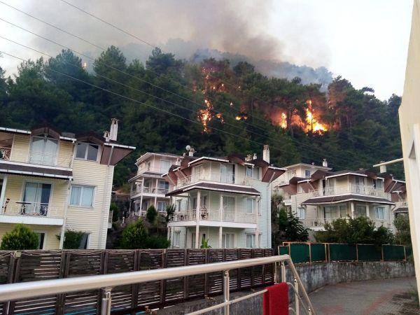 Marmaris/ oteller bölgesinde korkutan yangın