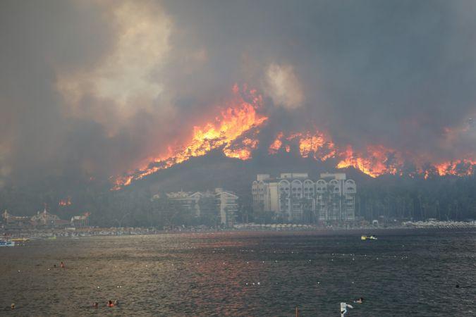 Marmaris'te orman yangını 3'üncü gününde