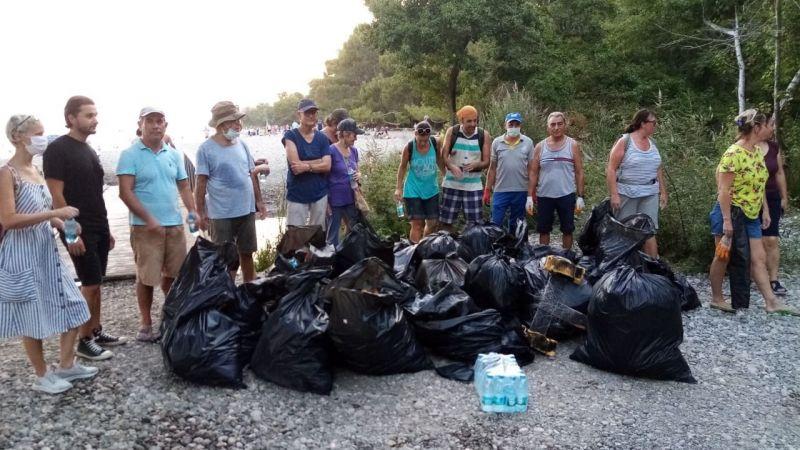 Fethiye'de yerleşik yabancılar temizlik yaptı