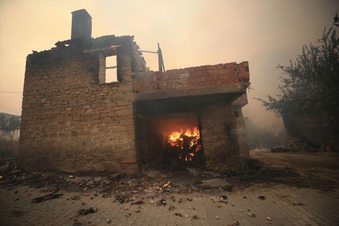 Akseki İlçesine Sıçrayan Yangında Evlerin Yüzde 80'i Yandı