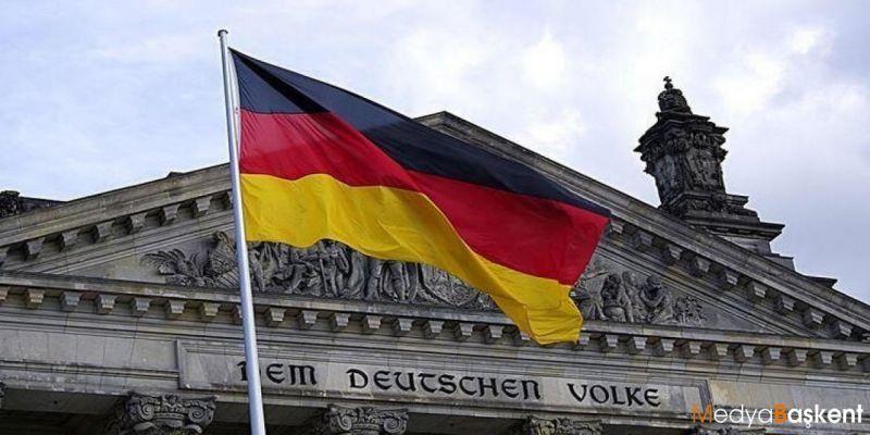 Almanya'da Kovid-19'a Karşı Alınan Önlemler Protesto Edildi! 600 Kişi Gözaltına Alındı