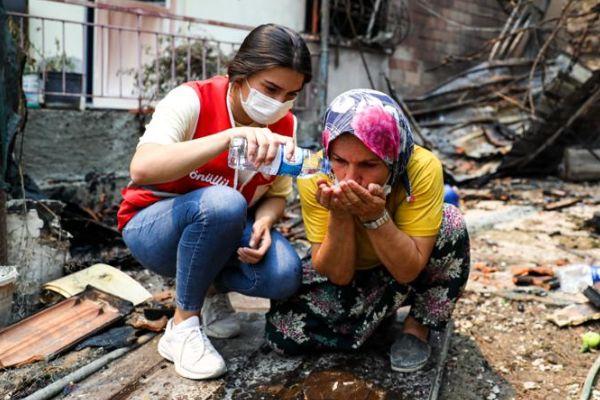 Antalya'daki Yangından Etkilenen 555 Kişiden 538'i Taburcu Edildi