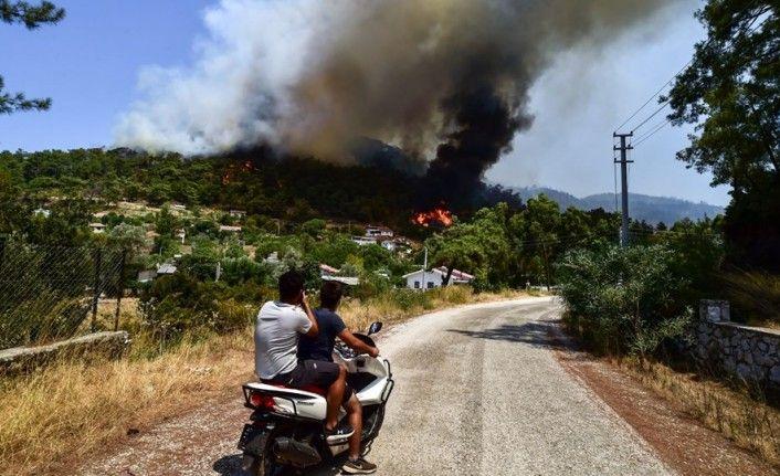 Antalya'nın Gündoğmuş İlçesinde Orman Yangını İçin Mücadele Devam Ediyor