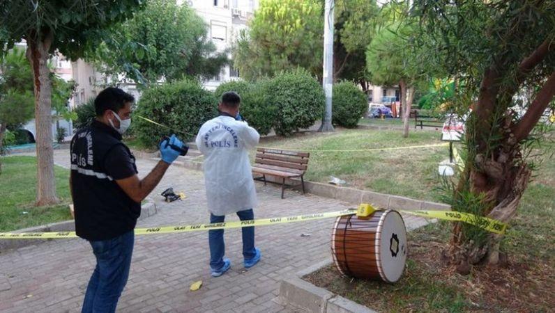 İzmir'de 23 Yaşında Bir Genç Bıçaklı Kavgada Hayatını Kaybetti