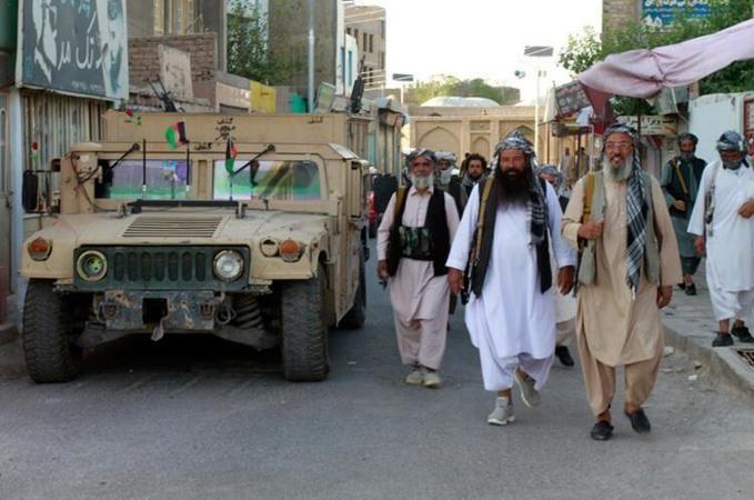 Taliban ilerleyişini sürdürüyor! Katar' da kritik toplantının sonucu ne olacak?
