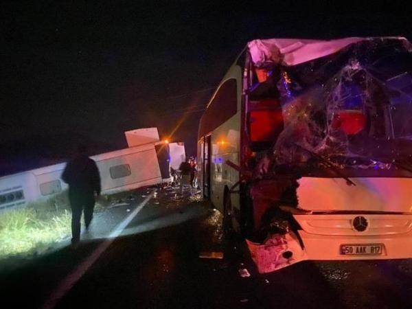 Nevşehir'de Öğrencileri Taşıyan İki Otobüs Kaza Yaptı! Dehşet Kazada 27 Kişi Yaralandı…