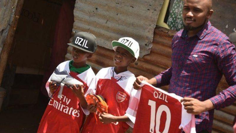 Afrikalı Çocuklar Mesut Özil Sayesinde Mutlu!