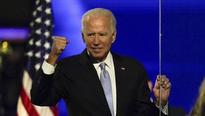 """ABD Başkanından Büyük Gaf: """"Ayağa Kalkmasını İsteyecektim"""""""