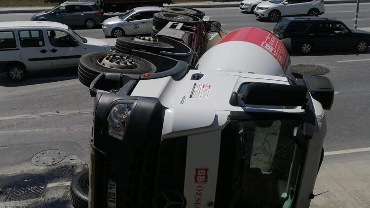 İstanbul'da Kaza: Sürücü Yaralandı