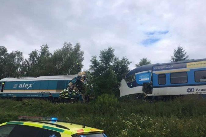 Korkunç Tren Kazası: 2 Kişi Hayatını Kaybetti, 40 Kişi Yaralandı!