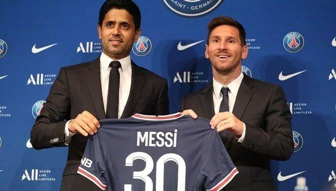 """Lionel Messi PSG'ye imzayı attı! """"Paris'te olduğum için mutluyum"""""""