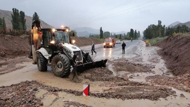 Büyük sel felaketinin ardından ülkenin birçok yerinden sel haberleri geliyor