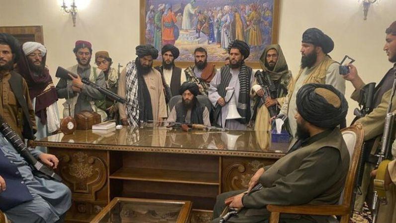 Taliban Kabil'de Cumhurbaşkanlığı Sarayı'na girdi! BM bugün toplanıyor