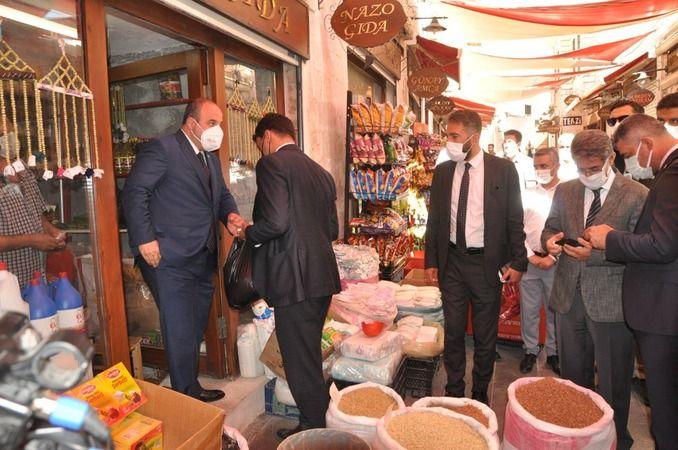 Bakan Varank Mardin'de esnafla bir araya geldi
