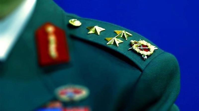 Son dakika! 13 emekli generalin rütbesi söküldü!