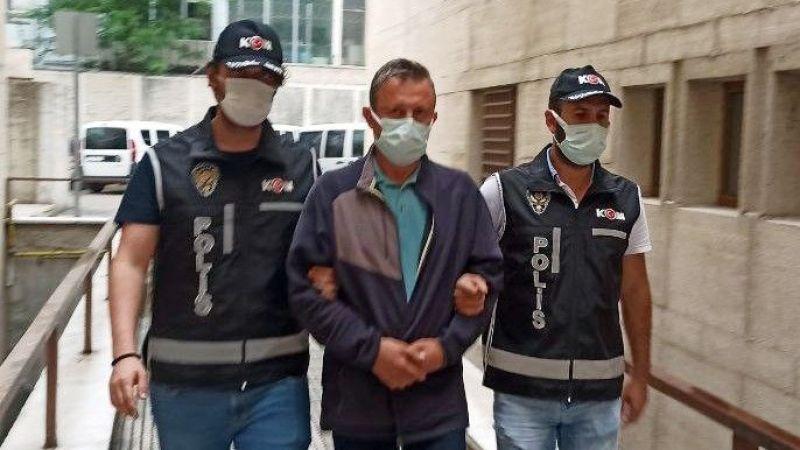 Hastasından 'bıçak parası' alan profesör cezaevine gönderildi