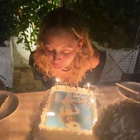 Nicole Richie 40. yaş gününü kutlarken kendini yakıyordu