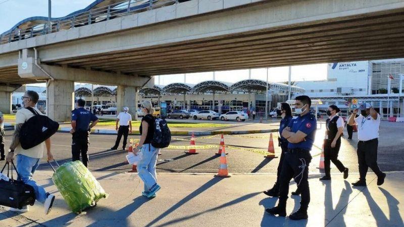 Antalya Havalimanı'nda dehşete düşüren olay! Finlandiyalı turist intihar etti