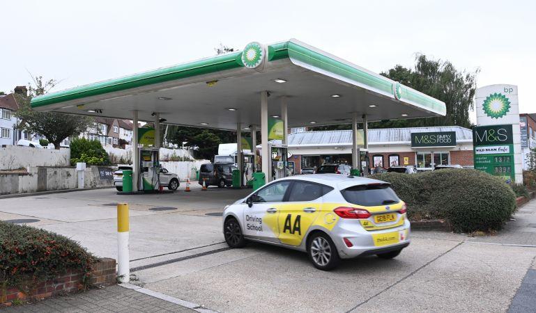 İngiltere'de akaryakıt krizi büyüyor! BP istasyonlarının 3'te 1'inde yakıt tükendi