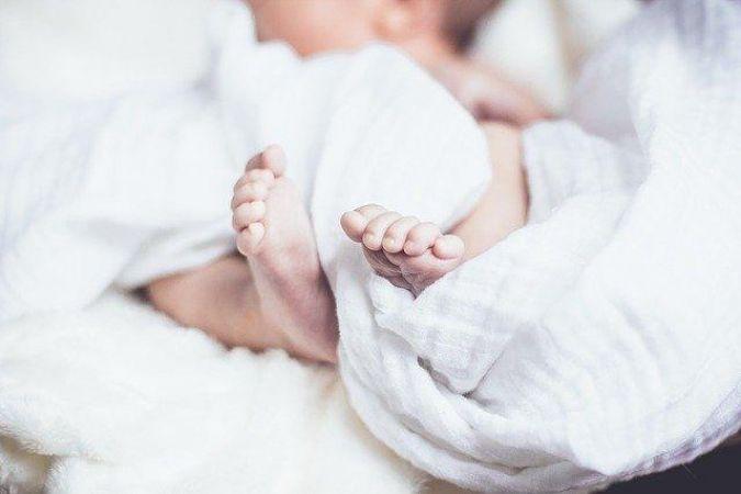 Bebekler dışkılarında yetişkinlerden daha fazla mikroplastikler var.