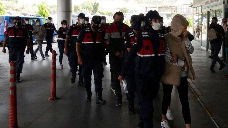 İzmir'de 'yeşil reçete' operasyonu! Doktor ve eczacılar tutuklandı