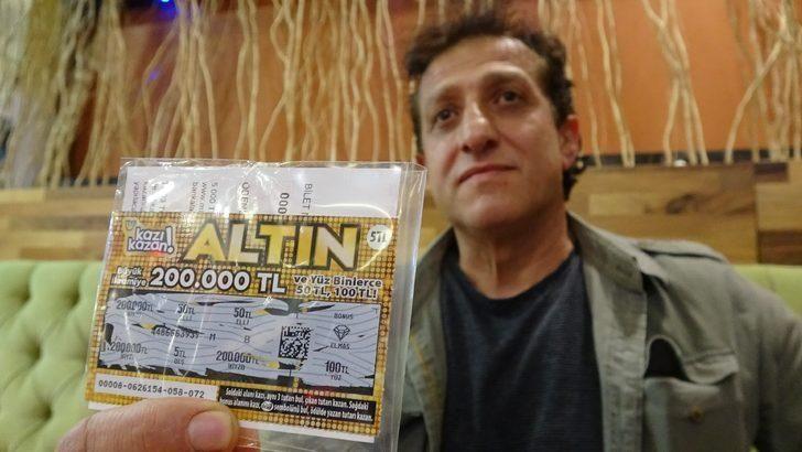 Şansın böylesi! Çöpten aldığı kazı kazandan 200 bin lira çıktı!