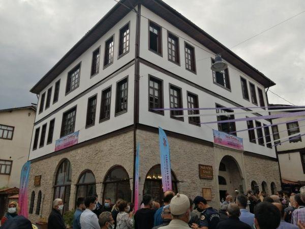 """182 yıllık tarihi konağa """"En İyi Restore Edilen Ev Ödülü"""" plaketi çakıldı"""