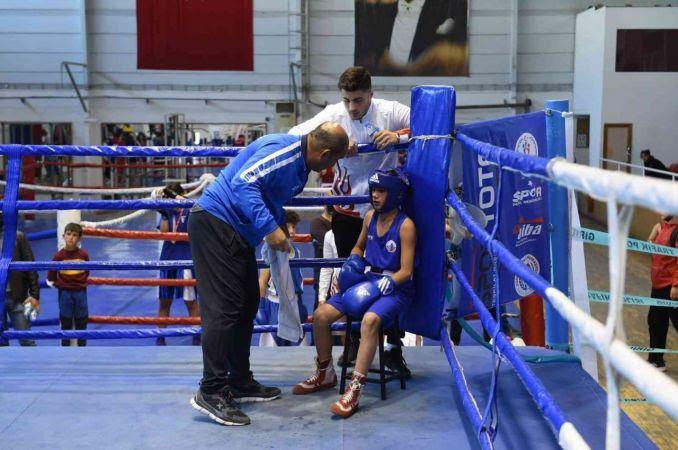 Altındağlı boksörler madalya avcısı