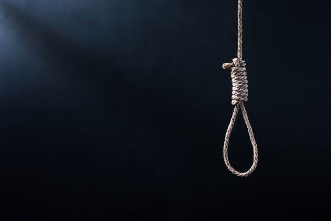 Geyve'de intihar! 69 Yaşında Kendini Astı