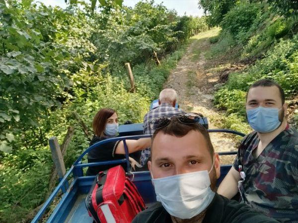 Aşı ekipleri dağ bayır dinlemiyor