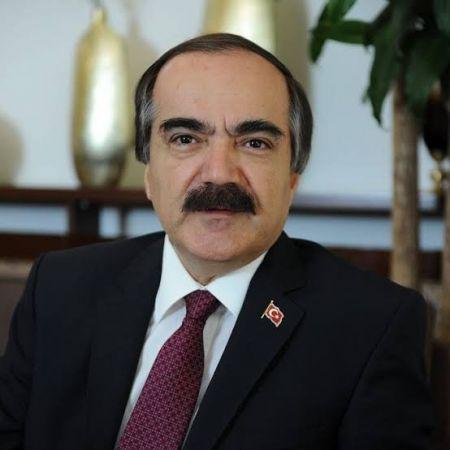 Eski Sakarya Valisi Hüseyin Avni Coş, hayatını kaybetti