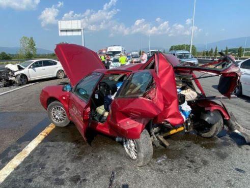Kaza sonrası hurdaya döndü: 4 yaralı
