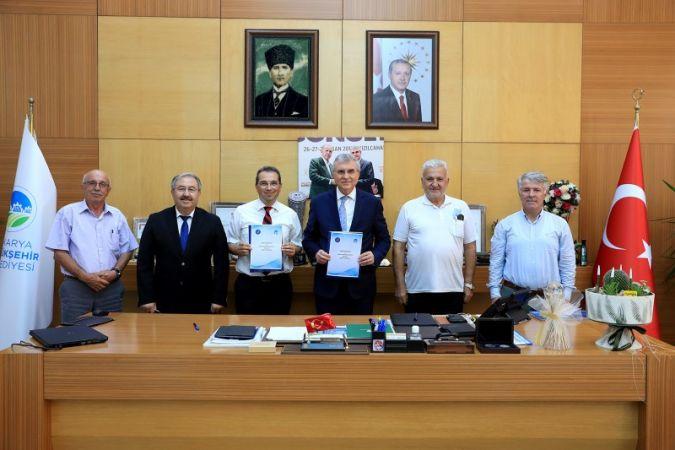 Büyükşehir'in ürettiği endüstriyel kenevirler bilimsel araştırmalarda kullanılacak