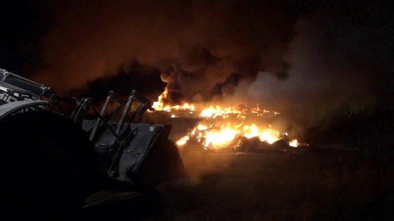 Vatandaşların çıkarttığı yangın için iş makinaları devreye girdi
