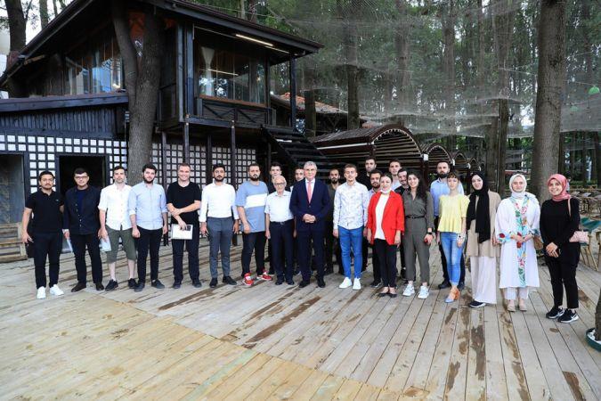 Başkan Yüce, Gençlik Meclisi öğrencileriyle bir araya geldi