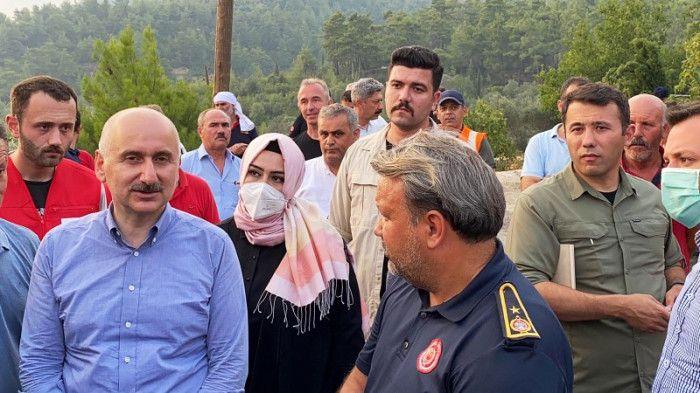 Bakan Karaismailoğlu Büyükşehir ekibinden bilgi aldı