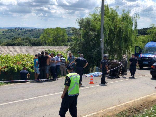 Kaynarca yolunda feci kaza! Devrilen traktörün altında hayatını kaybetti