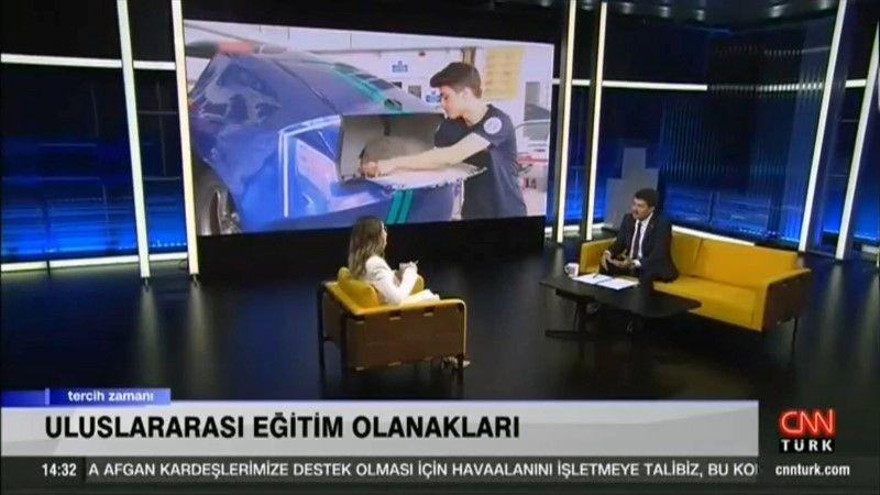 Rektör Sarıbıyık: Öğrencilerimiz gerçek iş hayatını görüyor
