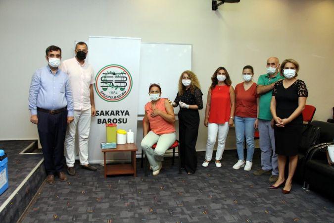 Baro Başkanı Yıldız'dan aşı çağrısı: Aşı ol hayatta kal!