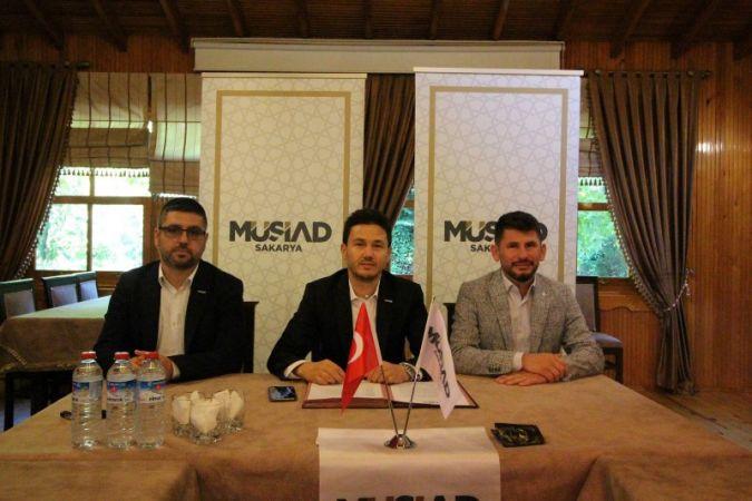MÜSİAD heyeti Akyazı'da üyeleriyle bir araya geldi