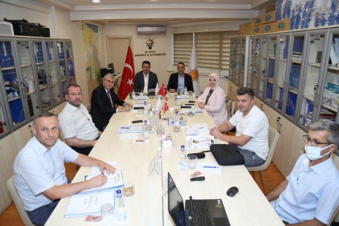 AK Parti heyeti Erenler ve Karasu'nun çalışmalarını değerlendirdi
