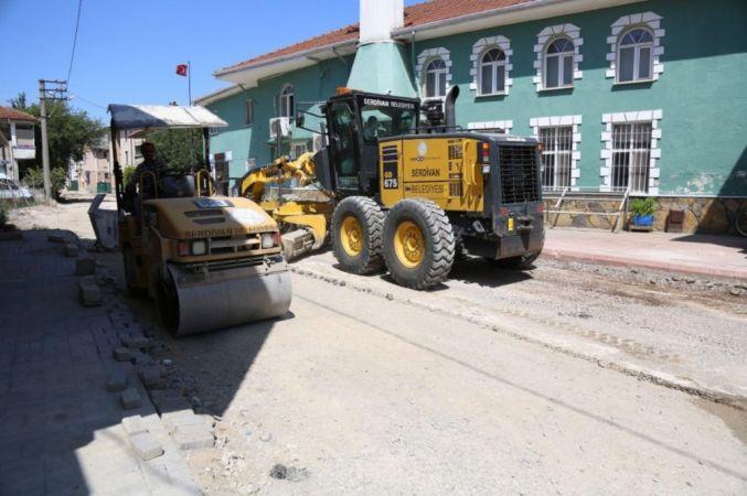 32 Evlerde hummalı asfalt çalışması